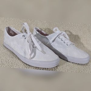 American Eagle by Payless White  sneakers - Size 7